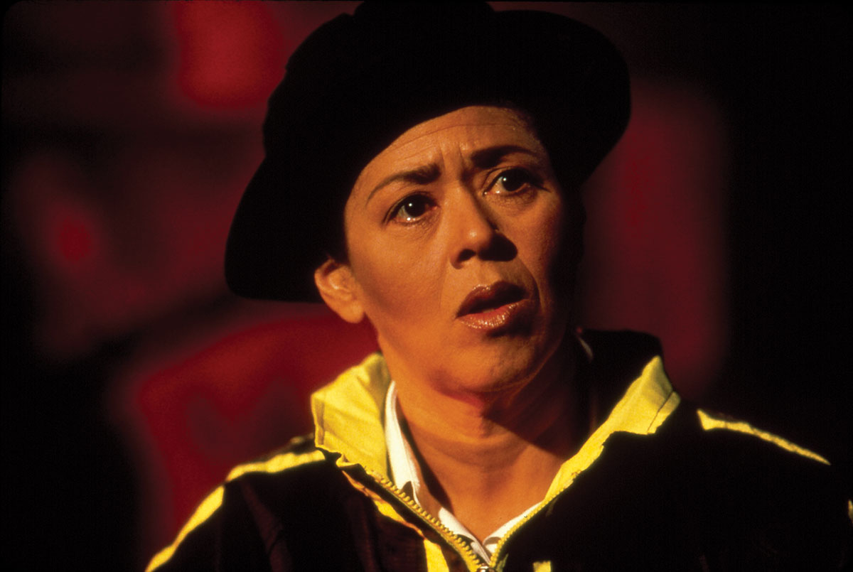 a personal critique of twilight los angeles 1992 Twilight: los angeles, 1992 is a one-woman play written and originally  performed by american actress, playwright and professor anna deavere smith  about the.