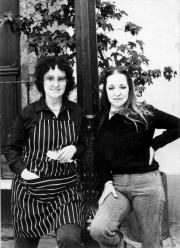 Polvo de Gallina Negra: Mónica Mayer (left) and Maris Bustamante