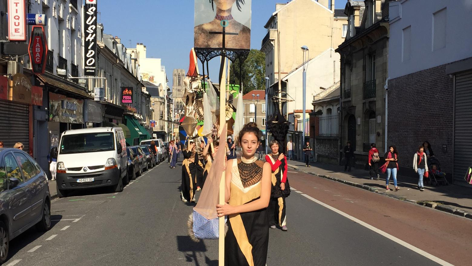 Lara Schnitger, Protest Parade (Suffragette City), 2015. FRAC Champagne-Ardenne, Reims, France. Courtesy the artist, Anton Kern Gallery, New York, FRAC Champagne-Ardenne.
